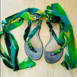 UGG Tie Up SSilk Thong Sandals in Teal & Green 6